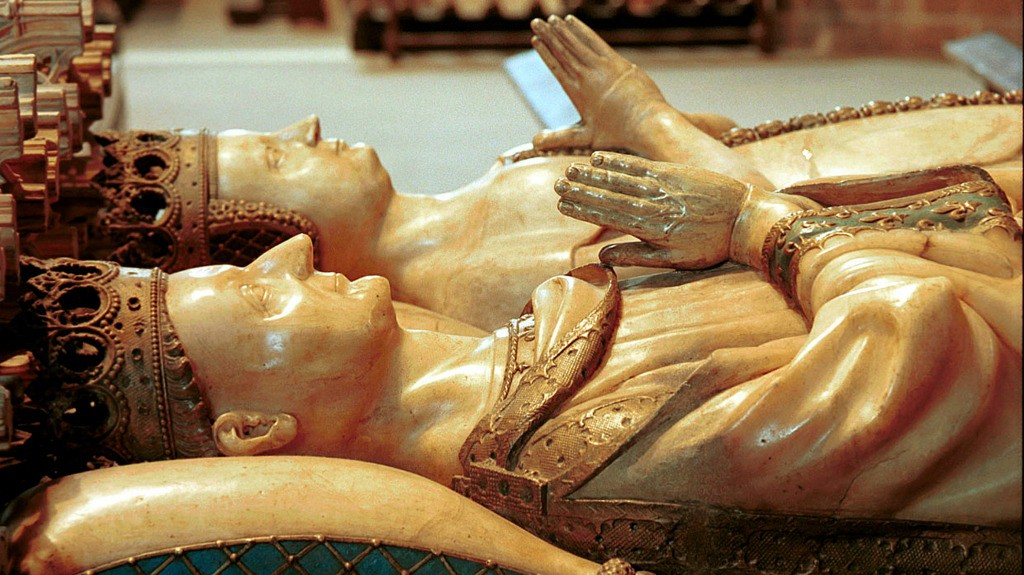 Mausoleo a los Reyes de Navarra Carlos III el Noble y Leonor de Trastámara en la Catedral de Pamplona - Turismo en Navarra