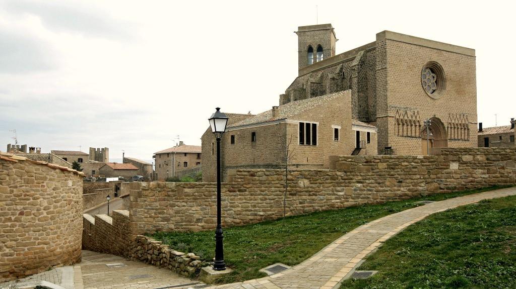 Iglesia-fortaleza de San Saturnino, Artajona - Turismo en Navarra