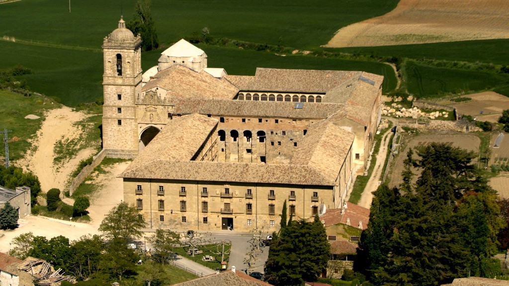 Vista aérea del Monasterio de Irache - Turismo en Navarra