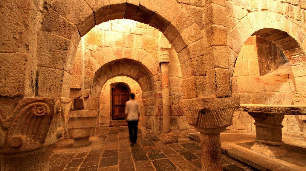 Cripta del Monasterio de Leyre - Turismo en Navarra